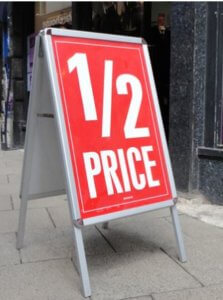 A board pavement sign to attract customers to your business